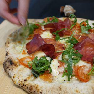 pizza-pomodorini-gluten-free-bresaola-rucola
